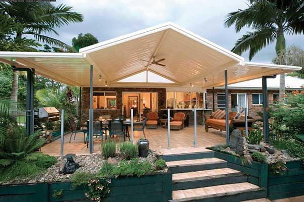 Solarguard awnings greystanes sydney carports pergolas for Carport deck combination